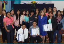 En La Paz, Santa Cruz y Cochabamba: La Fundación para el Periodismo tituló a 63 participantes del Diplomado en Violencia de Género