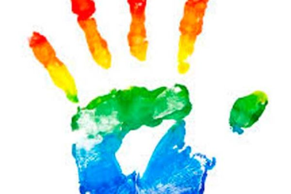 """""""Soy GLTB y también un ser humano que siento""""  El silencio de las personas TLGB (Transexuales, lesbianas, gays y bisexuales)"""