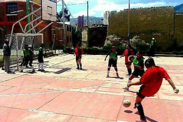 """Las """"Siete Ligas"""" juegan por amor al deporte"""